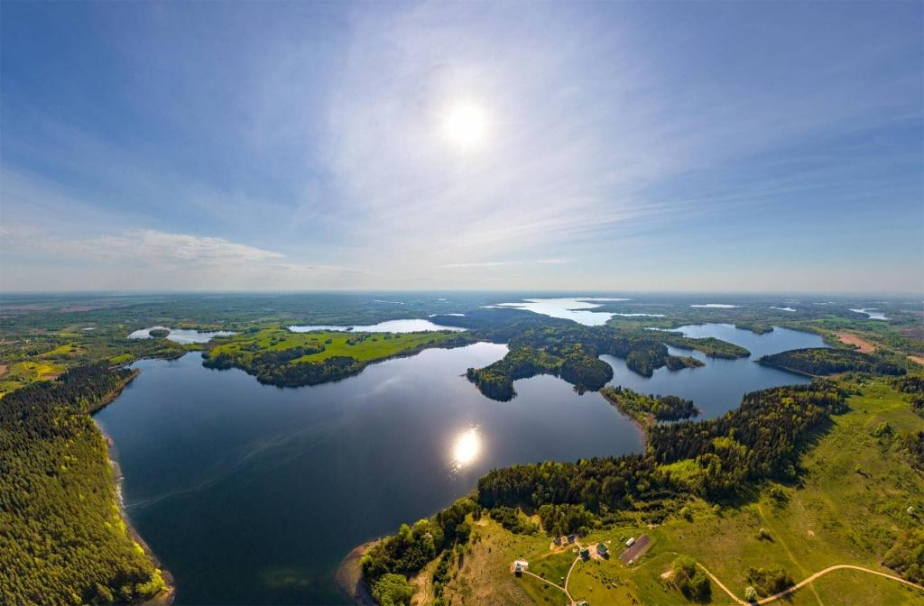 lakes_and_forest_belarus.jpg